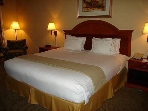 Holiday Inn Express Birmingham Irondale East