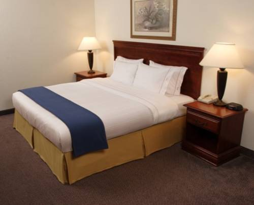 Holiday Inn Express & Suites Denver North - Thornton