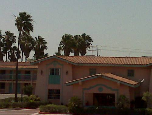 University Inn & Suites Brownsville
